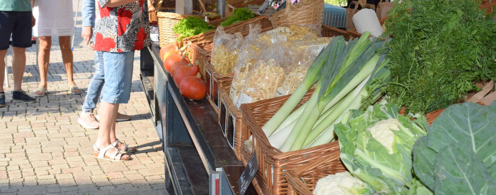 Willstätter Wochenmarkt Gemüsestand