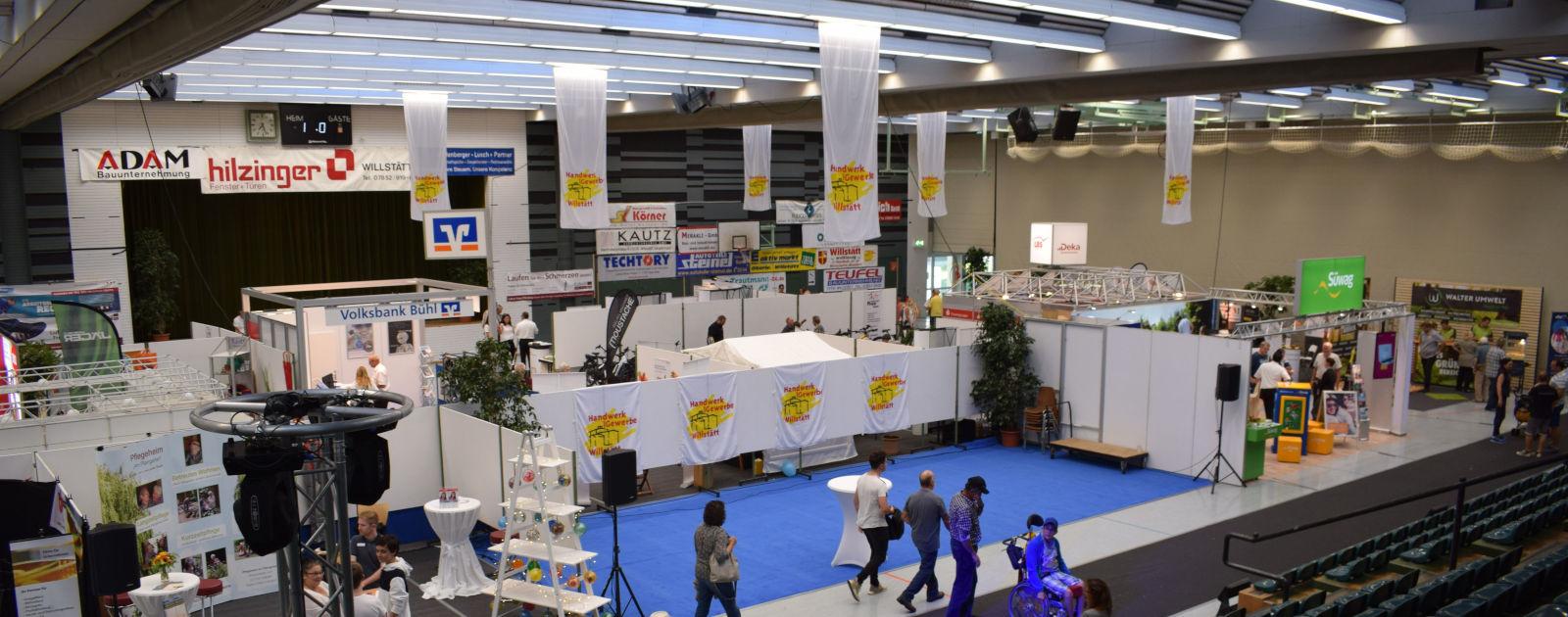 Stände bei der Gewerbeschau 2018 in der Hanauerlandhalle in Willstätt