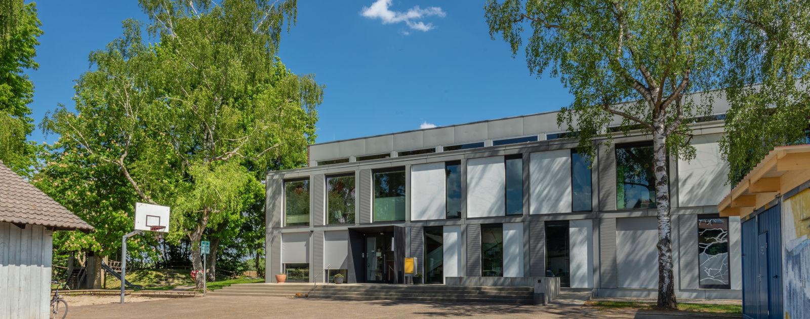 Außenansicht Astrid-Lindgren-Schule Hesselhurst