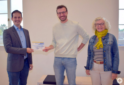 Persönliches Kennenlernen: Bürgermeister Christian Huber mit Marco Schwind und Bürgermeister-Stellvertreterin Elvira Walter-Schmidt